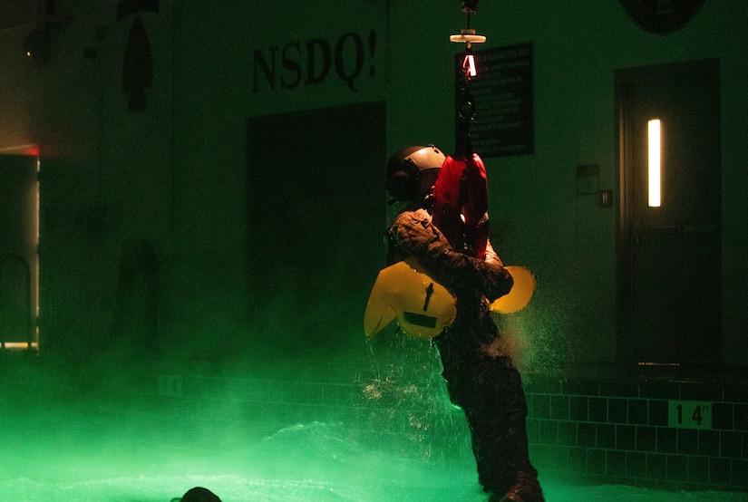 UK ROTC Dunker Training