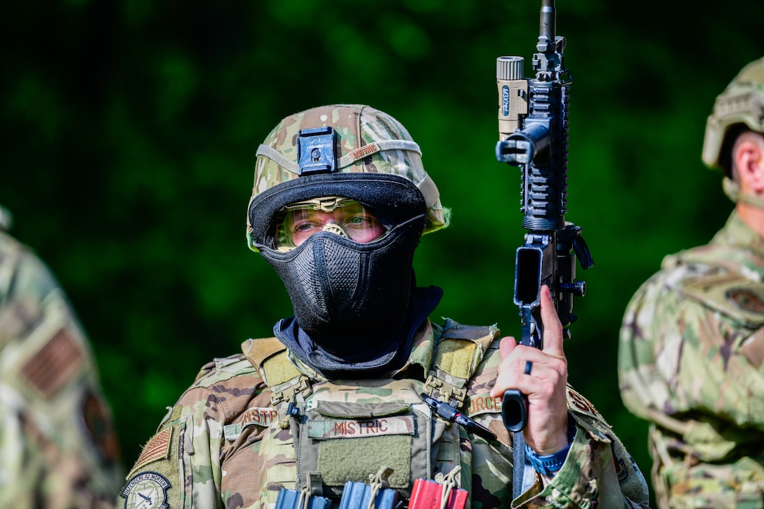 Beta Integrated Defense Leadership Course Bolsters Defender Combat Readiness