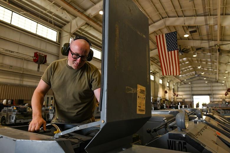 Photo of airman working