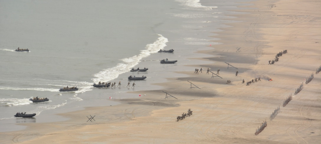 Multi-national forces land on the beach during the amphibious assault at Las Salinas Beach, during UNITAS LXII.