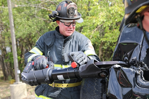 416th Theater Engineer Command joins local fire department open house