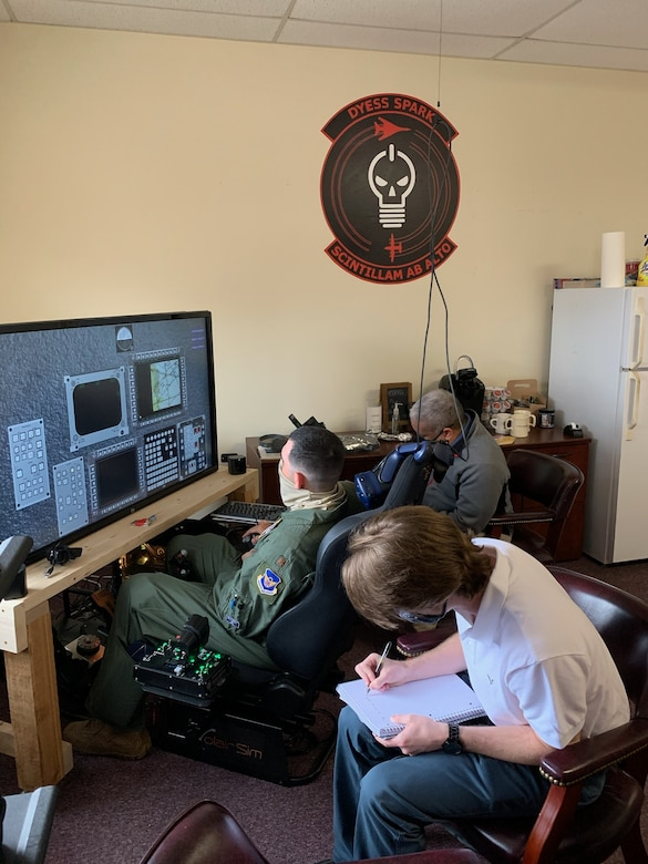 B-1 FTU Becomes Test Squadron for Sim Program Office's Automated Virtual Instructor