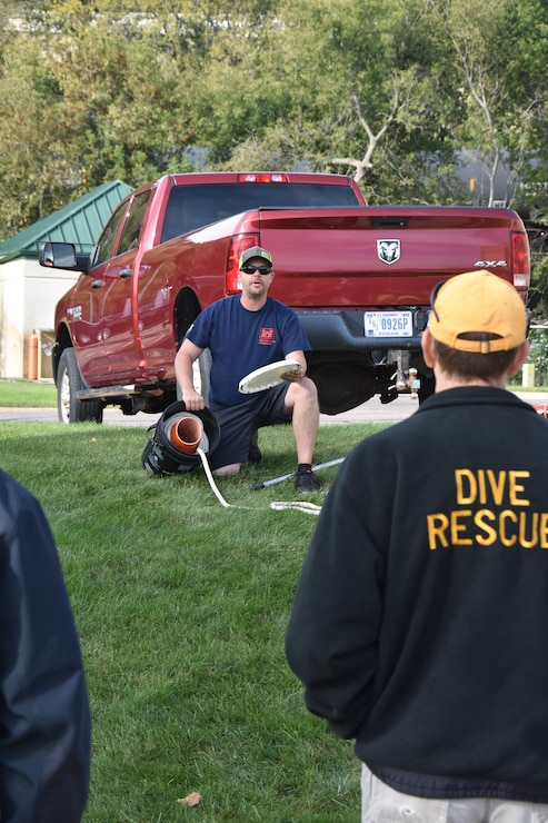 First responder demonstration at Lock and Dam 7