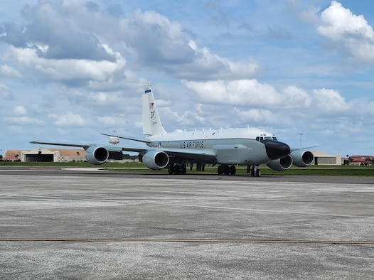 A photo of an RC-135 taxiing.