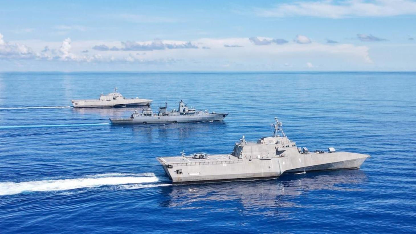USS Jackson, USS Tulsa sail with German Navy frigate Bayern in Philippine Sea
