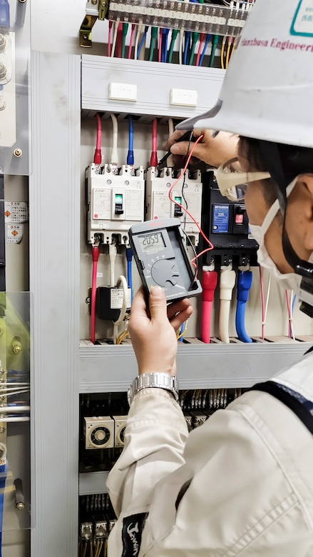 A contractor uses a voltmeter