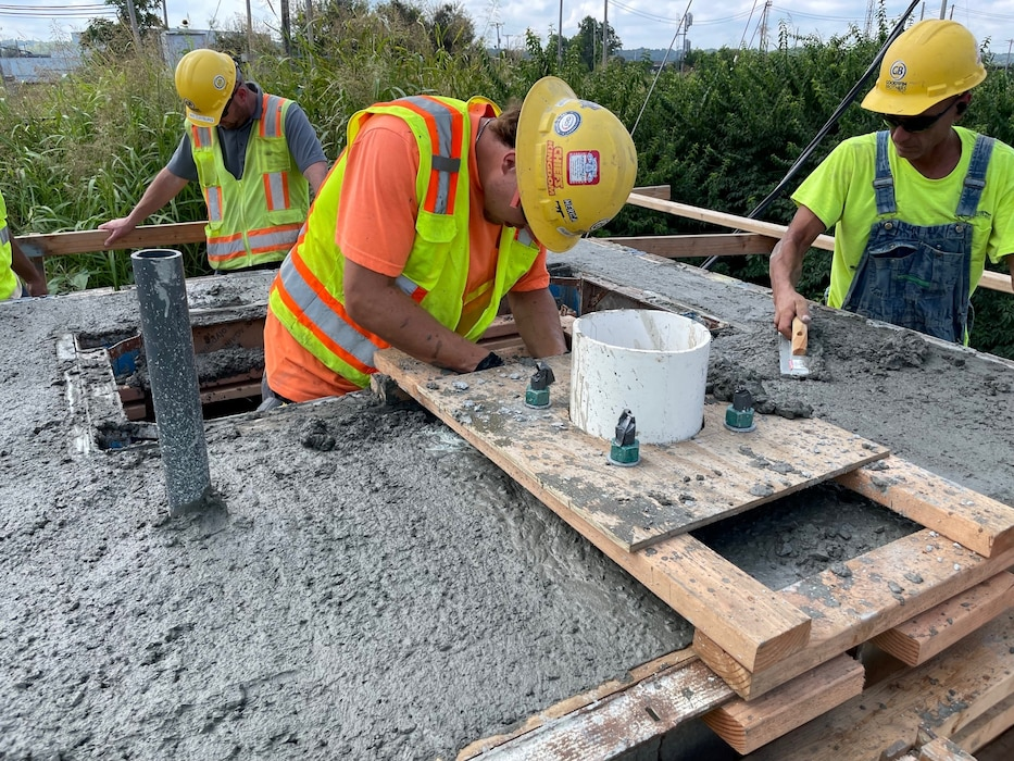 Supplied Industrial Solutions (SIS) is continuing to make improvements to the Kansas City Southern Pump Station along the Armourdale Levee Unit. During the next 5 years, the height of the existing floodwall in this area will be increased to significantly reduce flood risk the Armourdale community. To do this, SIS completed the concrete work required for the raising the gatewell which allows the pump station to integrate with these future floodwall improvements.