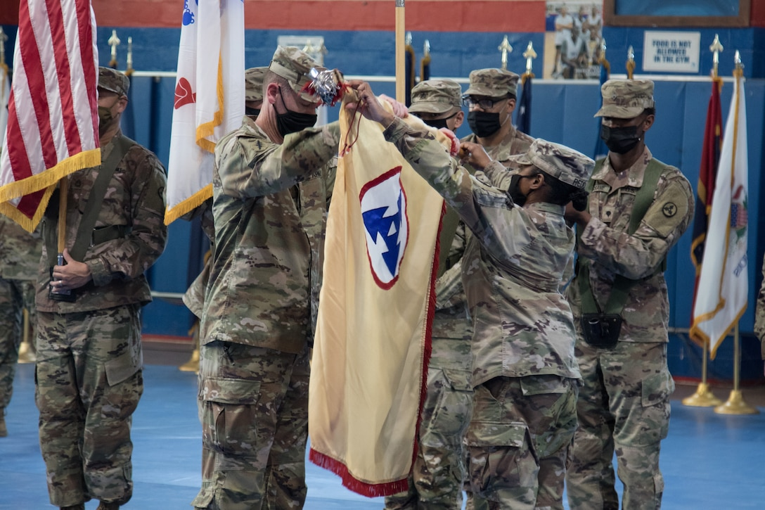 'Brickyard' Soldiers case colors after nine-month Kuwait deployment