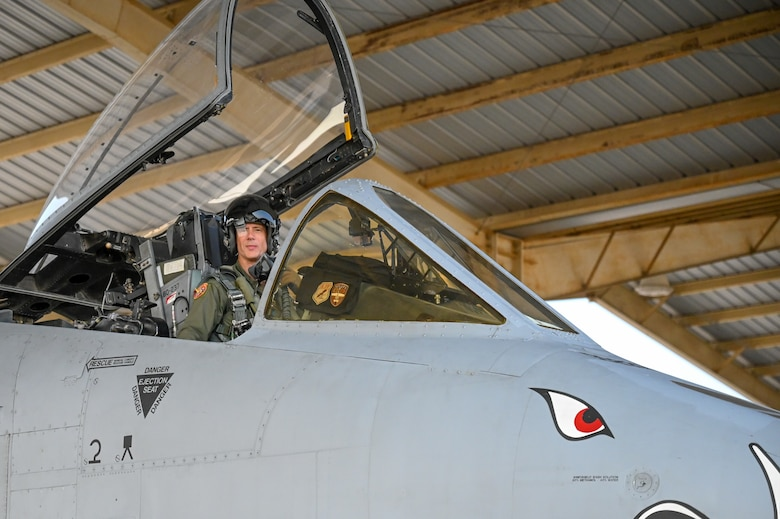 """Lt. Col. John """"Karl"""" Marks taxies in after completing 7,000 hours in the A-10C Thunderbolt II on Sept. 1, 2021 at Whiteman AFB, Mo. Marks is the highest hour A-10C pilot in history."""