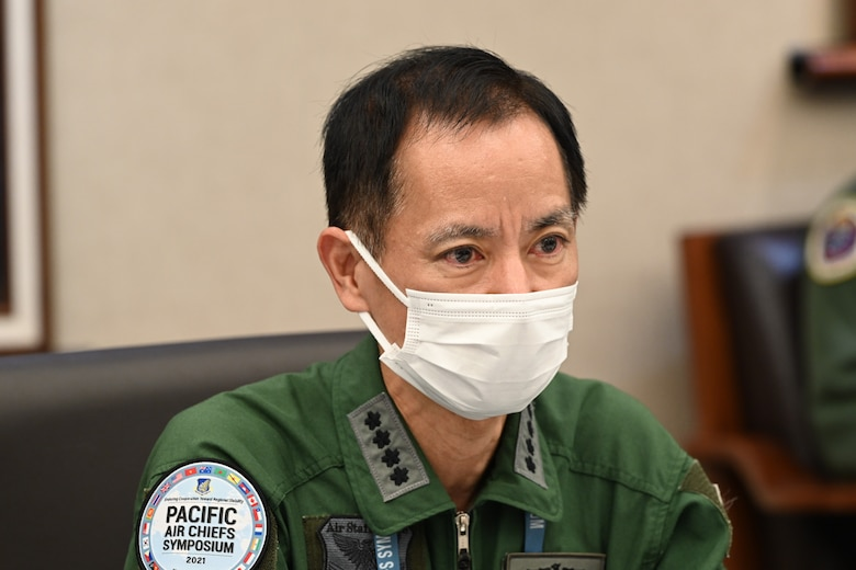 Photo of a Japan Air Self-Defence Force General speaking