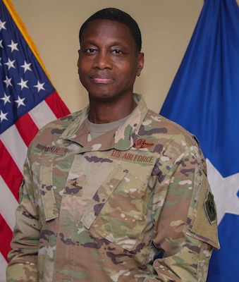 Official photo of Brig. Gen. Parker, CJTF-OIR CoS