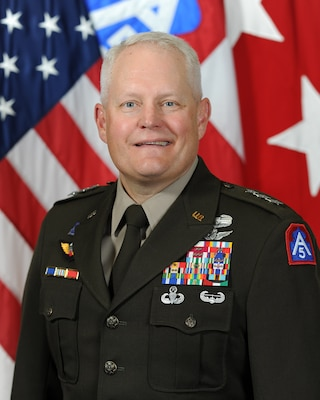 Official portrait of Lt. Gen. John R. Evans, Jr., the Commanding General of U.S. Army North (Fifth Army), headquartered at Fort Sam Houston, Texas.