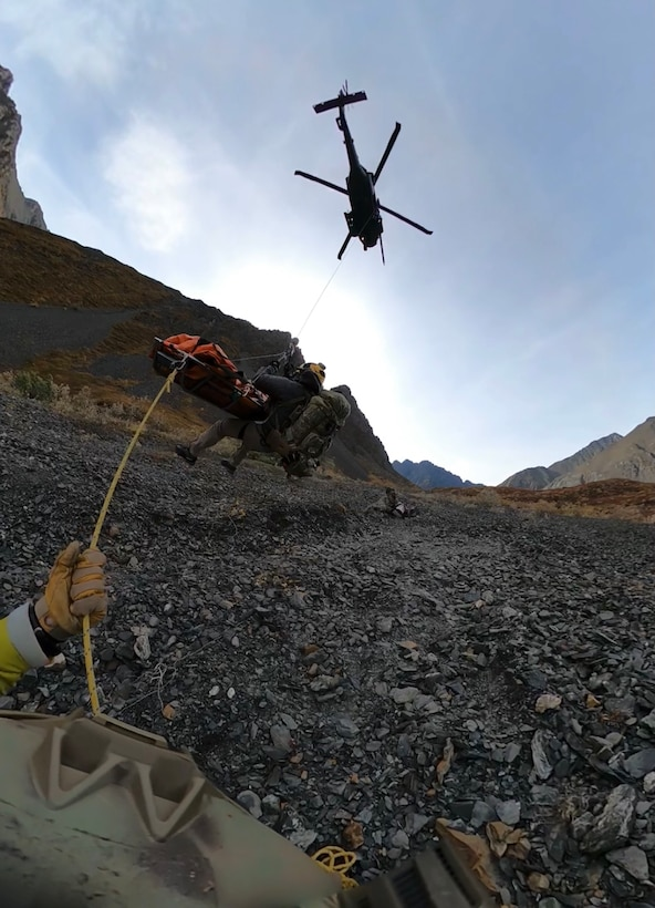Alaska Air National Guard Airmen partner with NPS to rescue bear-mauling victim