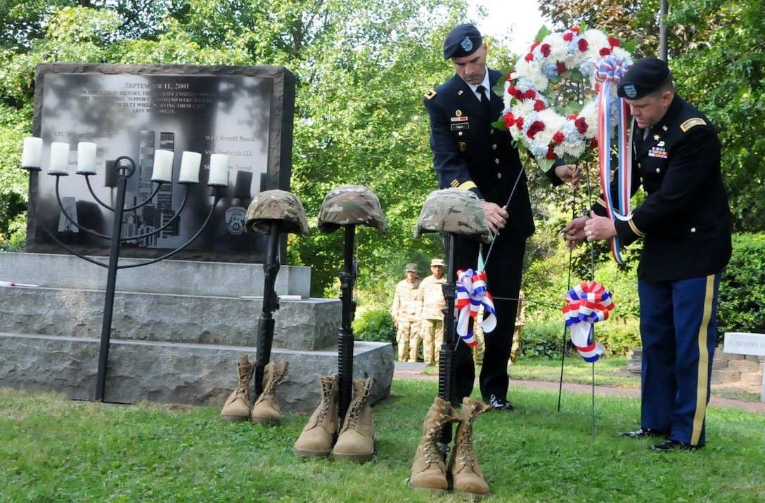 Army Reserve leaders honor 9/11 fallen