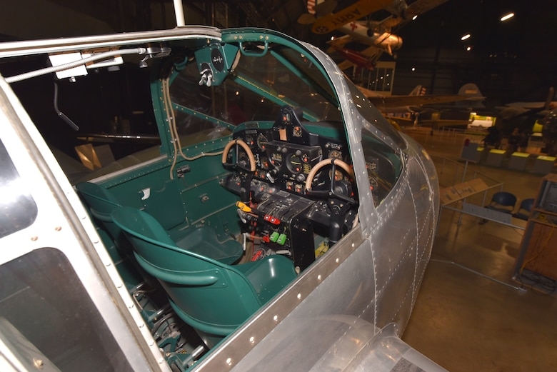Beech AT-10 Cockpit view