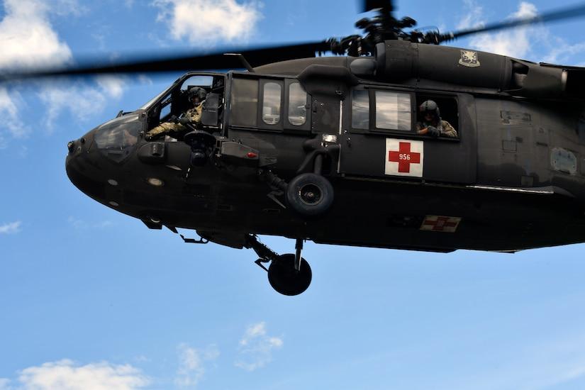 571st Mobility Support Advisory Squadron, JTF-Bravo train together on lifesaving skills with Honduran military