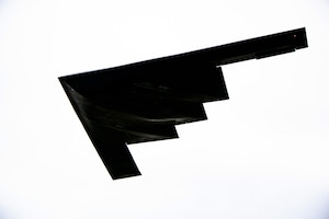 B-2 Spirit conducts low approach over RAF Fairford