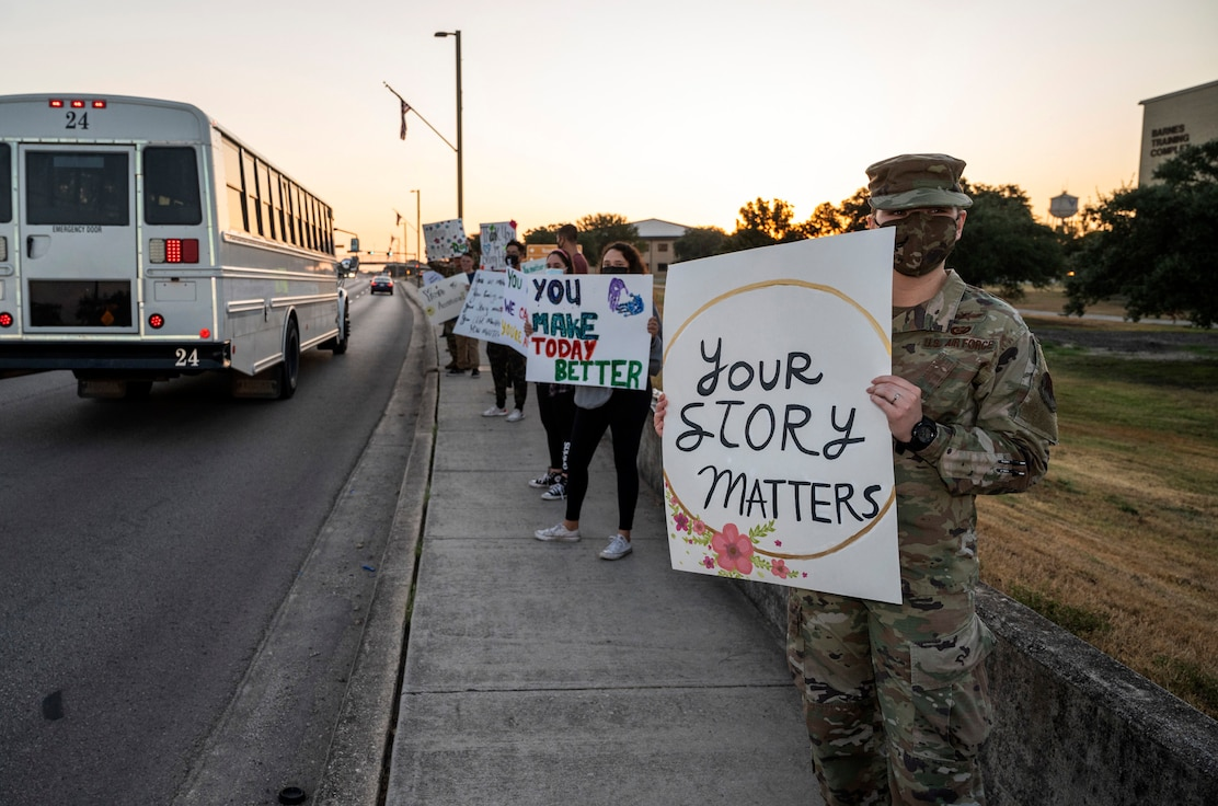 About 200 volunteers across JBSA welcomed the 33k people that entered JBSA gates at JB San Antonio in support of Suicide Prevention Month. #Connect to Protect