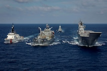 U.S. Coast Guard cutter engages in maritime training with Royal Australian Navy
