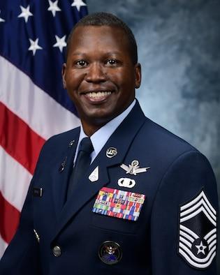 Chief Master Sgt. Jacob Simmons bio photo.