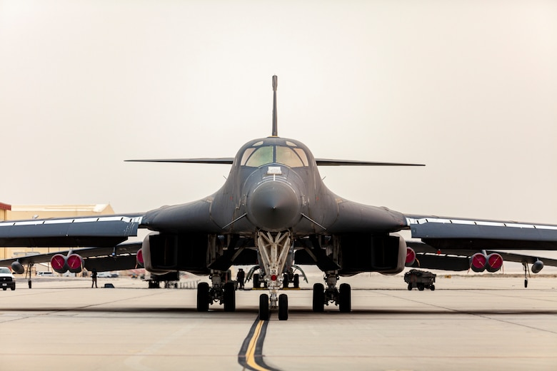 A B-1B Lancer, tail number 85-0074, taxis at Edwards Air Force Base, California, Sept. 23, for its final flight.