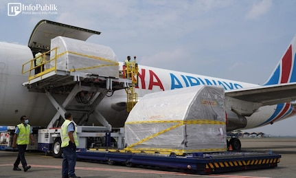 871,650 More Pfizer Doses Arrived in Jakarta